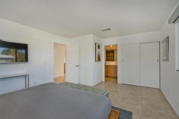 679 E Palo Verde Avenue