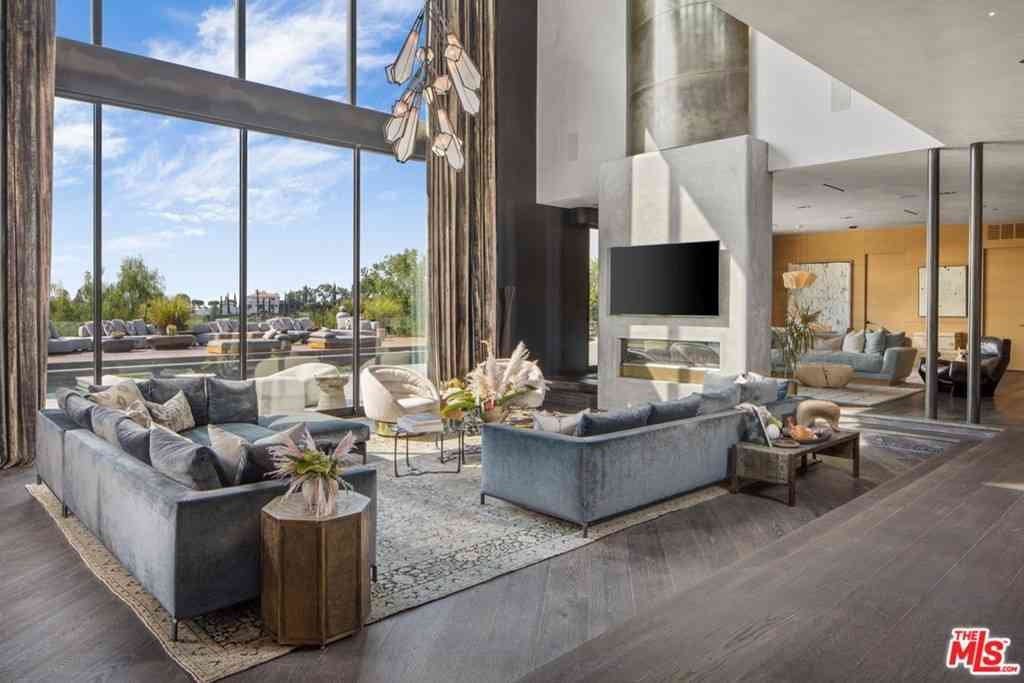 9152 Janice Place, Beverly Hills, CA, 90210,