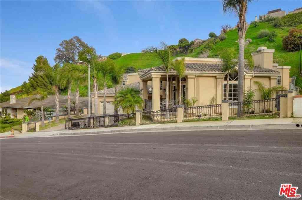 3966 S Cloverdale Avenue, Los Angeles, CA, 90008,