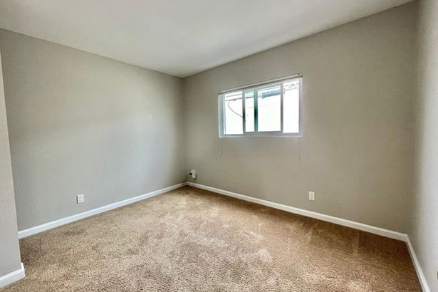 4745 West Mountain View Drive #7