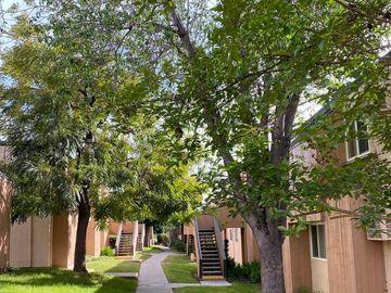 8745 Lake Murray Blvd #4, San Diego, CA, 92119,