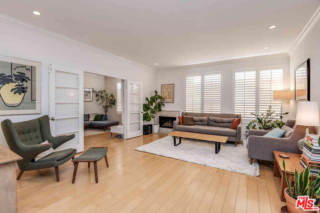 11812 Gorham Avenue #202, Los Angeles, CA, 90049,