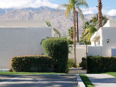 285 S Saturmino Drive, Palm Springs, CA, 92262,