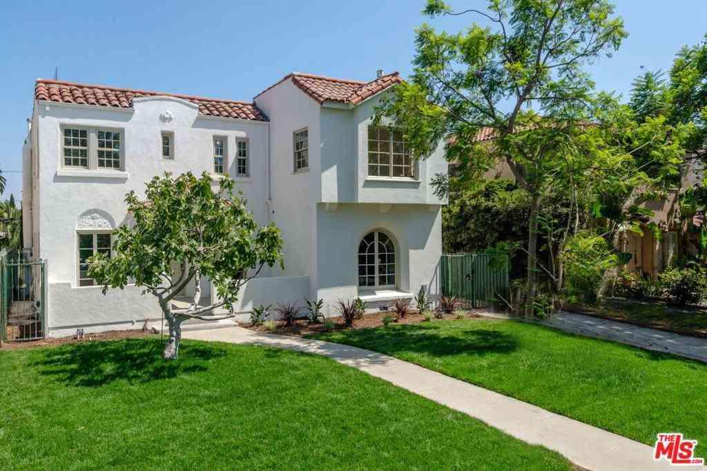 890 S Bronson Avenue, Los Angeles, CA, 90005,