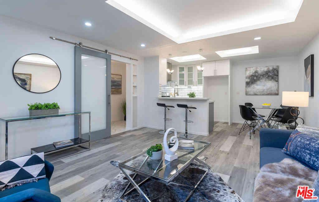 1154 S Barrington Avenue #A, Brentwood, CA, 90049,
