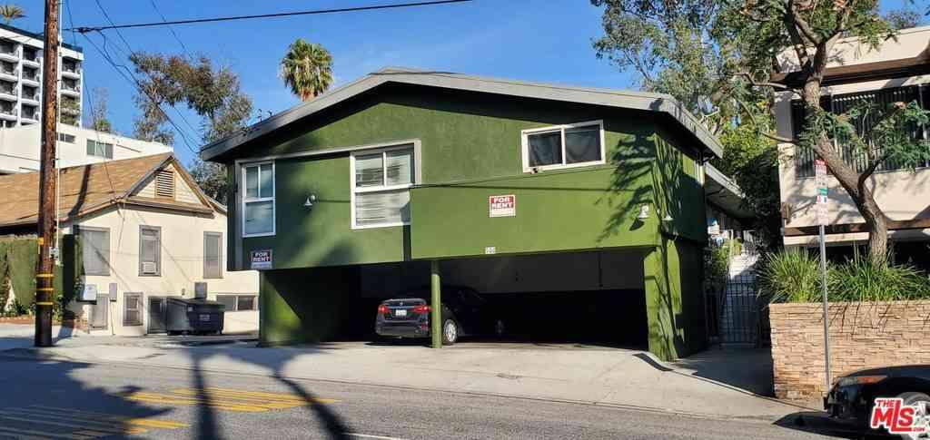 944 N San Vicente Boulevard, West Hollywood, CA, 90069,
