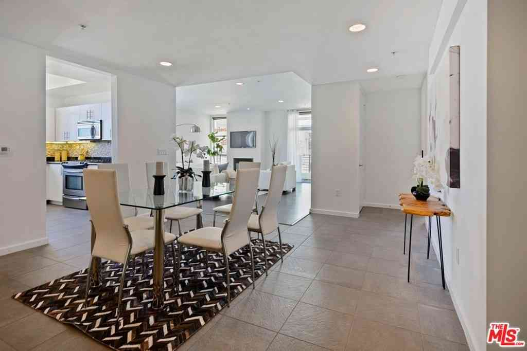 10911 Wellworth Avenue #4B, Los Angeles, CA, 90024,