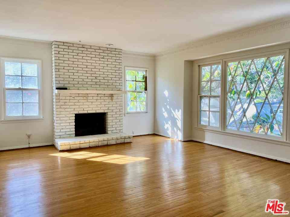 2418 S Beverly Drive, Los Angeles, CA, 90034,