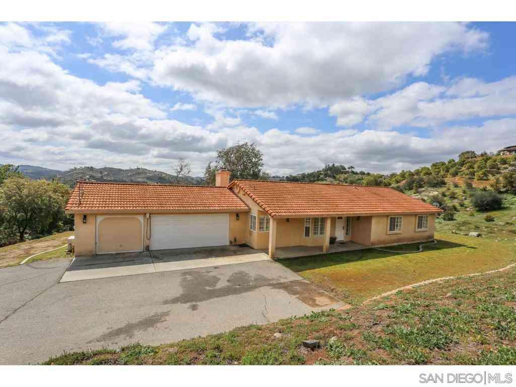 12852 Anthony Lane, Valley Center, CA, 92082,