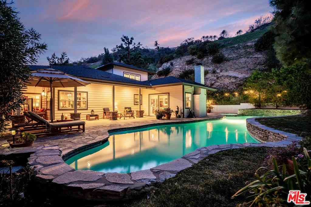 3761 Benedict Canyon Lane, Sherman Oaks, CA, 91423,