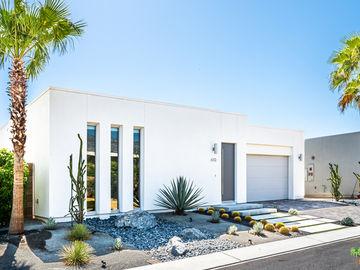 610 Equinox Way, Palm Springs, CA, 92262,