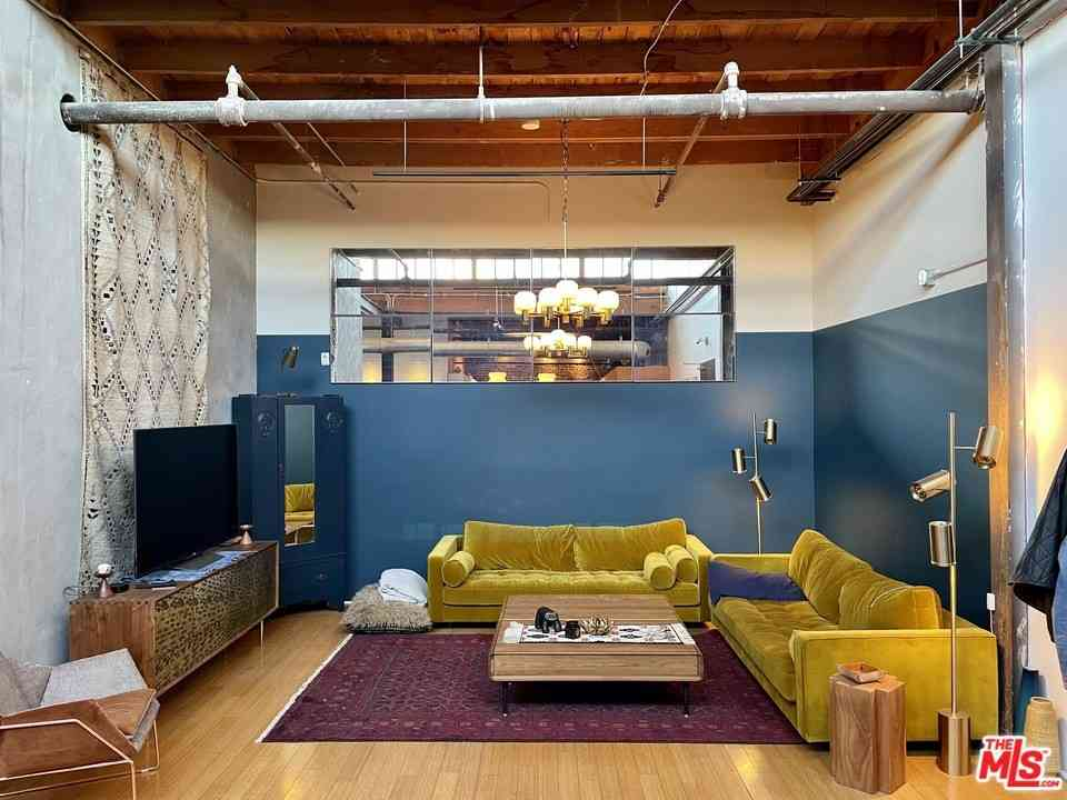 500 Molino Street #304, Los Angeles, CA, 90013,