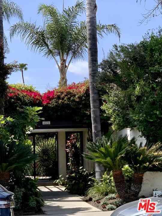 4321 Matilija Avenue #9, Sherman Oaks, CA, 91423,