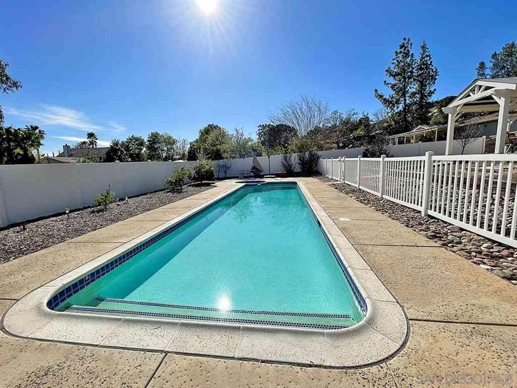 16587 Daza Drive, Ramona, CA, 92065,