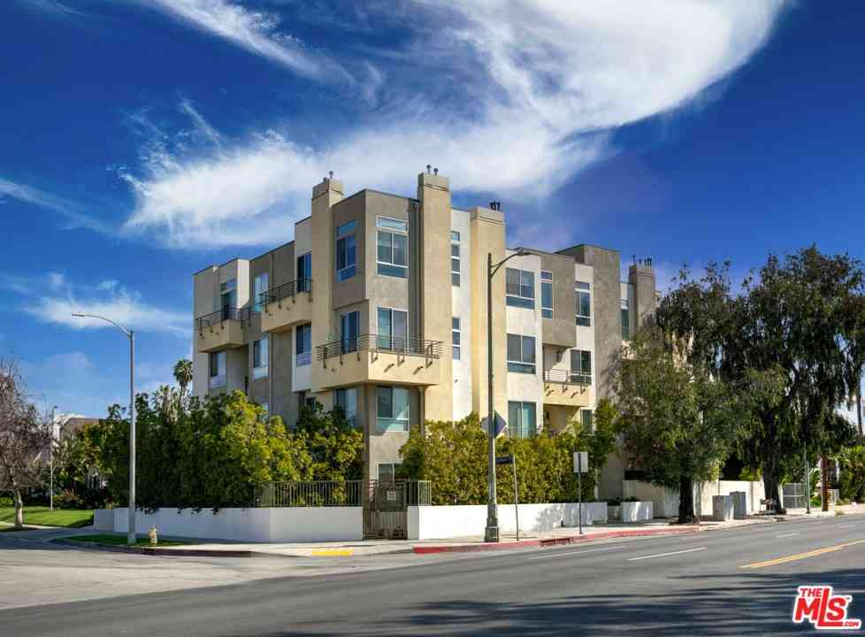 5525 W Olympic Boulevard #303, Los Angeles, CA, 90036,
