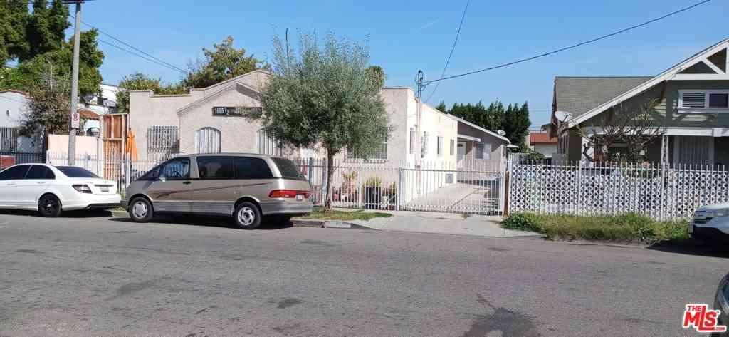 1653 W 37Th Street, Los Angeles, CA, 90018,