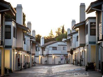 10465 Newhome Avenue ##1, Sunland, CA, 91040,