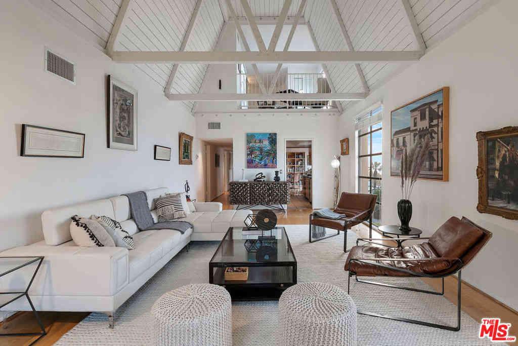 1264 Ozeta Terrace #301, West Hollywood, CA, 90069,