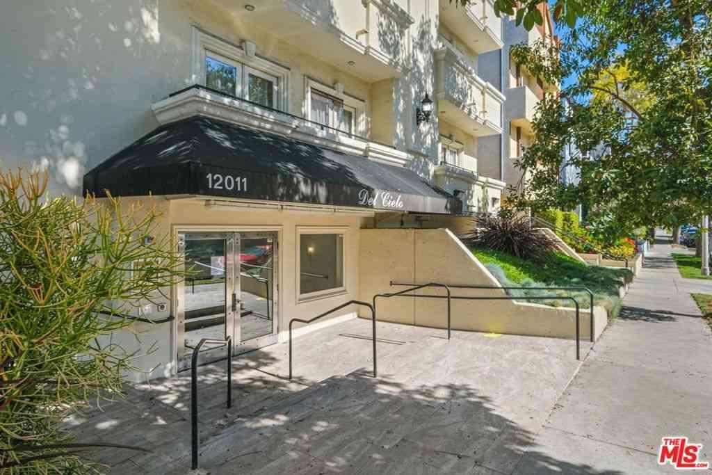 12011 Goshen Avenue #105, Los Angeles, CA, 90049,