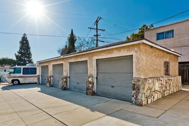 4145 Elenda Street