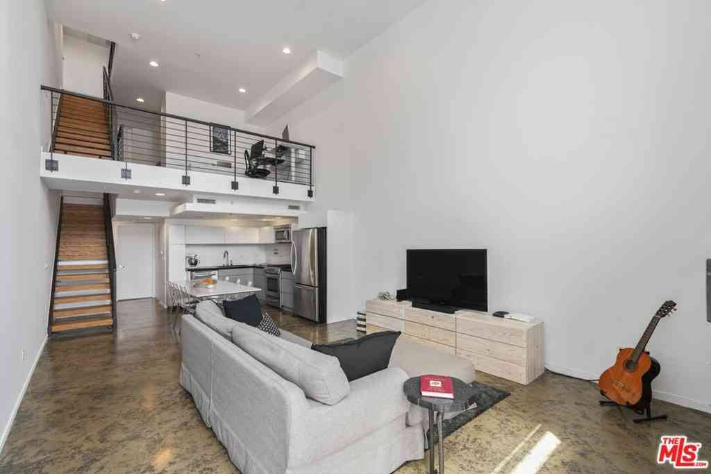 333 S Wilton Place #3, Los Angeles, CA, 90020,