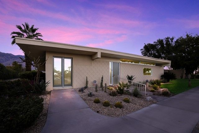 383 Desert Lakes Drive Palm Springs, CA, 92264
