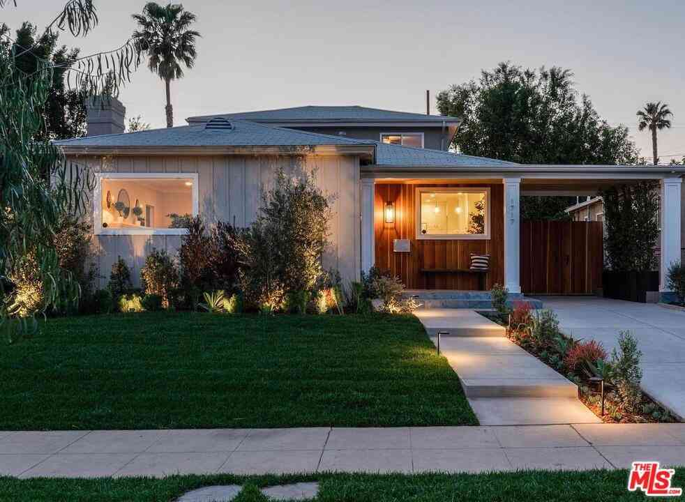 1717 S Orange Grove Avenue, Los Angeles, CA, 90019,