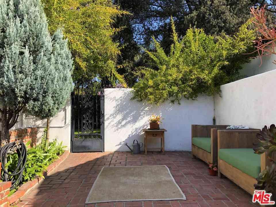 11552 Hartsook Street, Valley Village, CA, 91601,