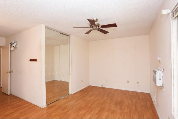 8270 Laurelridge Rd