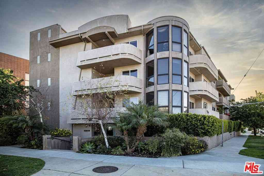 11766 W Sunset Boulevard #302, Los Angeles, CA, 90049,