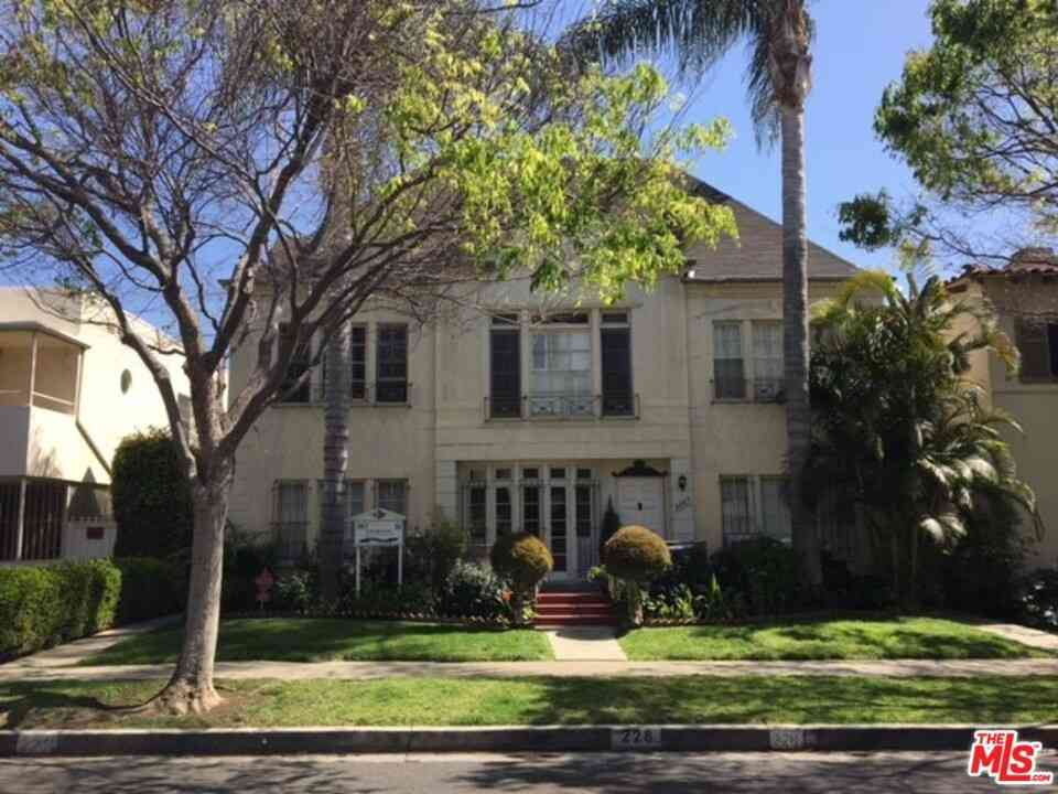 228 S Reeves Drive, Beverly Hills, CA, 90212,