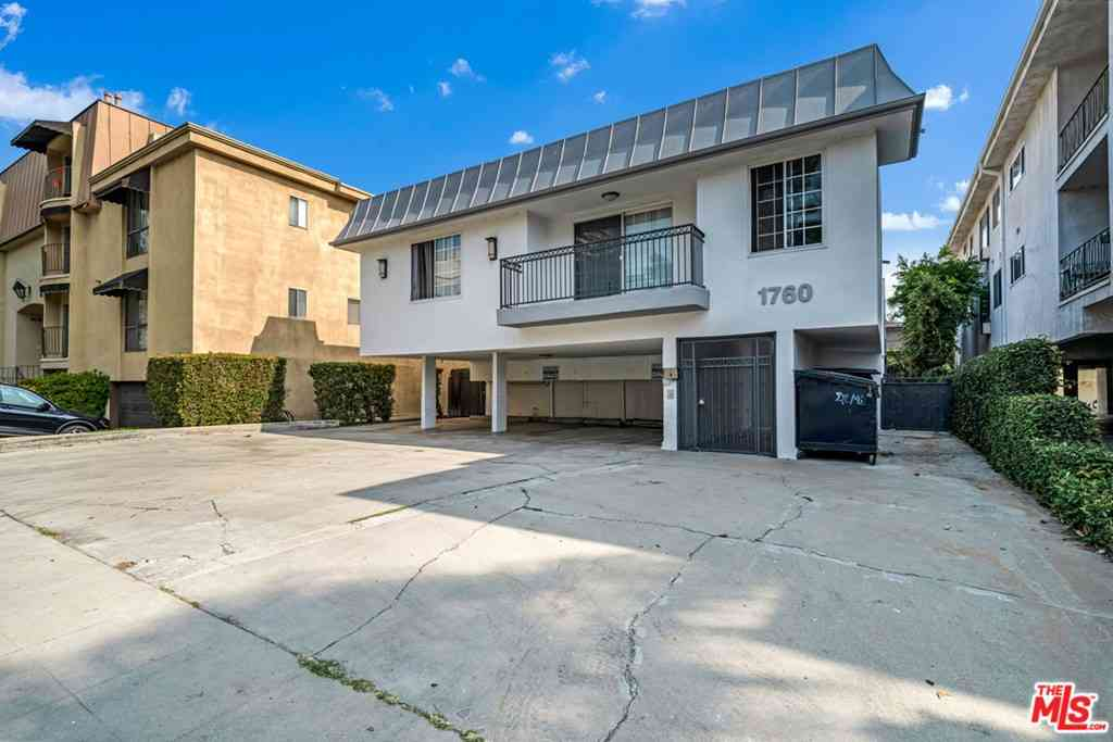 Undisclosed Address, Los Angeles, CA, 90025,