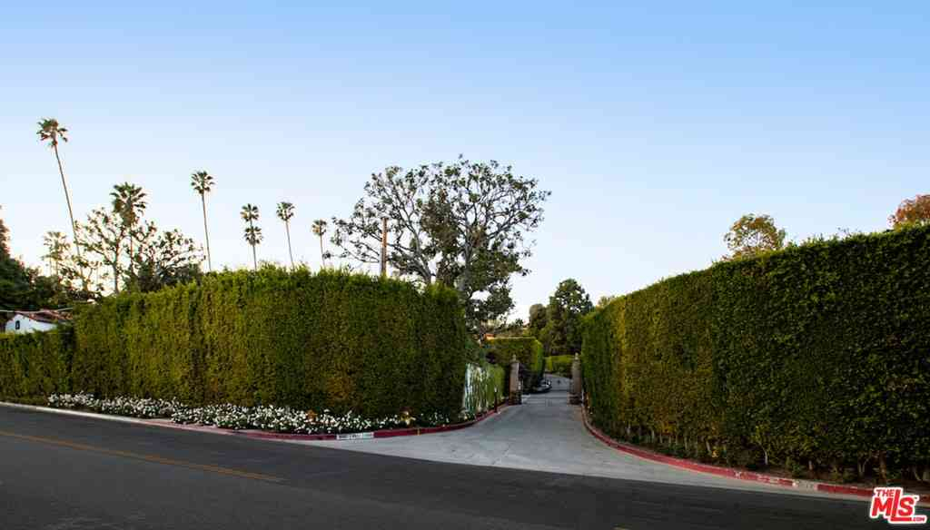 9329 Doheny Road, Beverly Hills, CA, 90210,