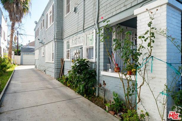 1406 Albany Street