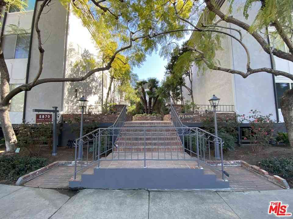 5870 Green Valley Circle #212, Culver City, CA, 90230,