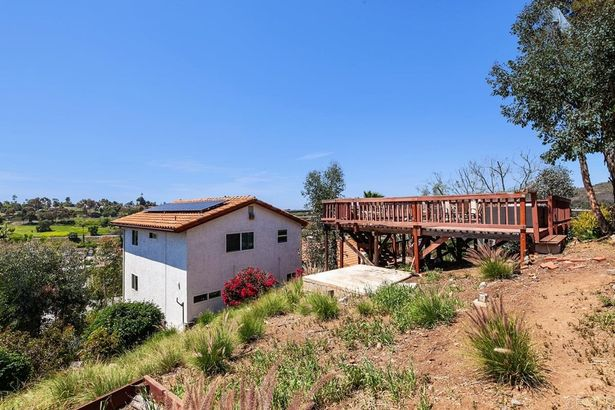 3344 Lakeview Drive