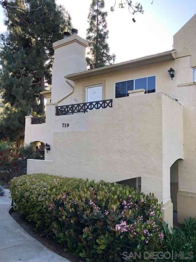719 Brookstone Rd #203, Chula Vista, CA, 91913,