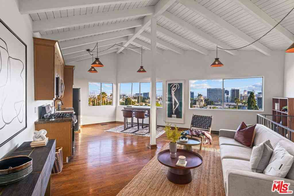 6234 HOLLY MONT Drive, Los Angeles, CA, 90068,