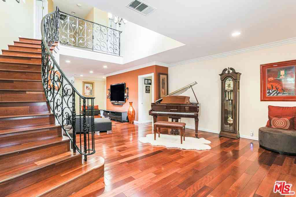 3467 S Sycamore Avenue, Los Angeles, CA, 90016,
