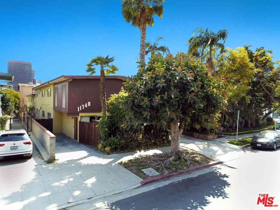 11748 Dorothy Street, Los Angeles, CA, 90049,