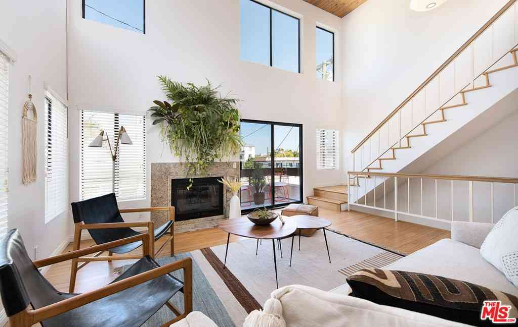 12815 Caswell Avenue #105, Los Angeles, CA, 90066,