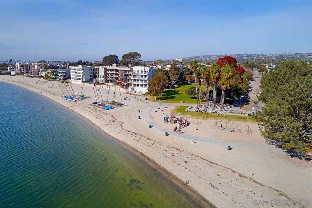 1251 Parker Place #2G, San Diego, CA, 92109,