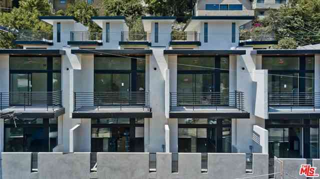 2241 Hyperion Avenue #A2, Los Angeles, CA, 90027,