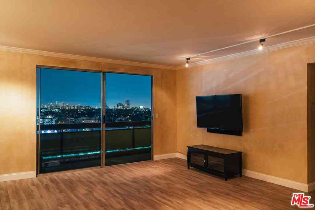 Sunny Living Room, 321 S San Vicente Boulevard #903, Los Angeles, CA, 90048,