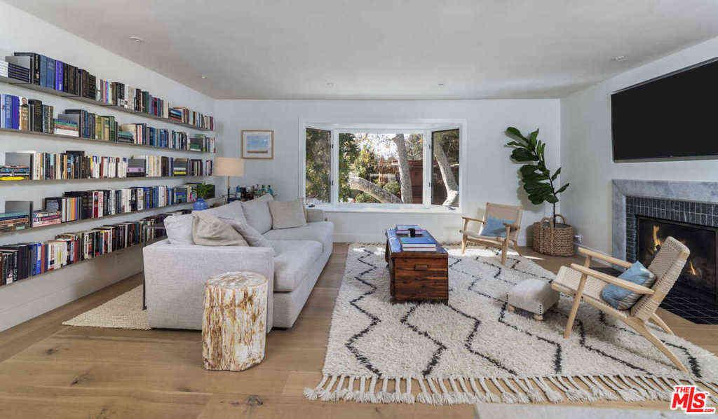 626 Bienveneda Avenue, Pacific Palisades, CA, 90272,
