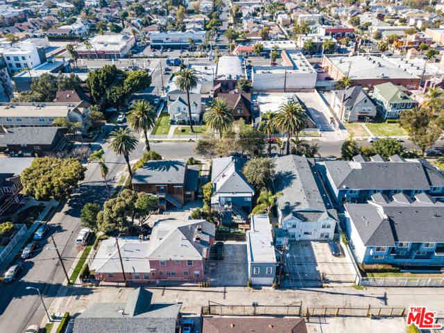 2824 Menlo Avenue, Los Angeles, CA, 90007,