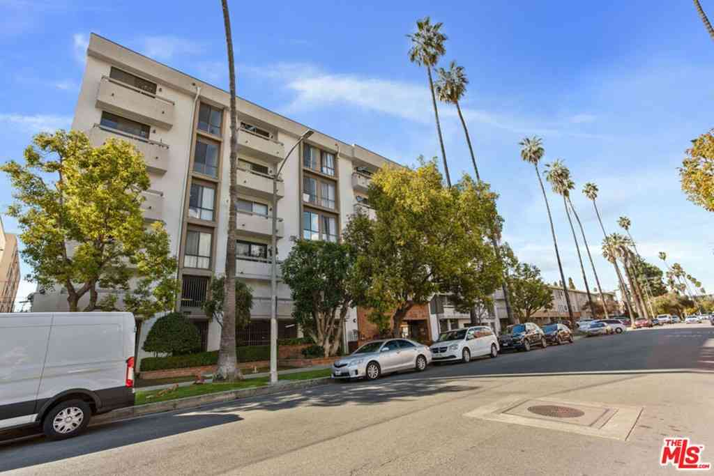 533 S St Andrews Place #402, Los Angeles, CA, 90020,