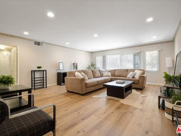1830 Taft Avenue #105, Los Angeles, CA, 90028,