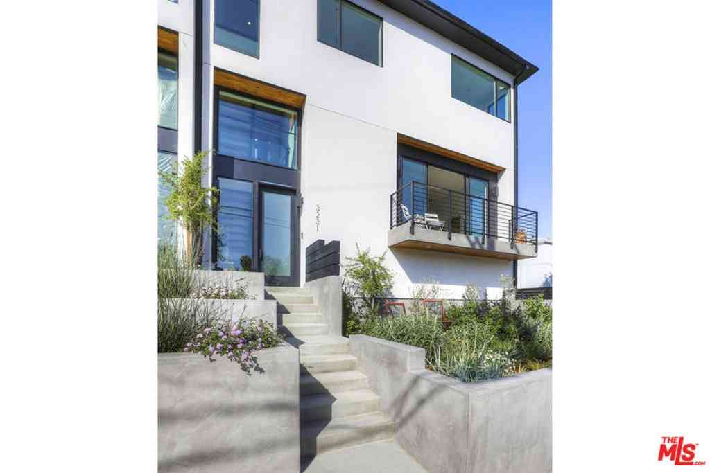 3223 Rowena Avenue, Los Angeles, CA, 90027,