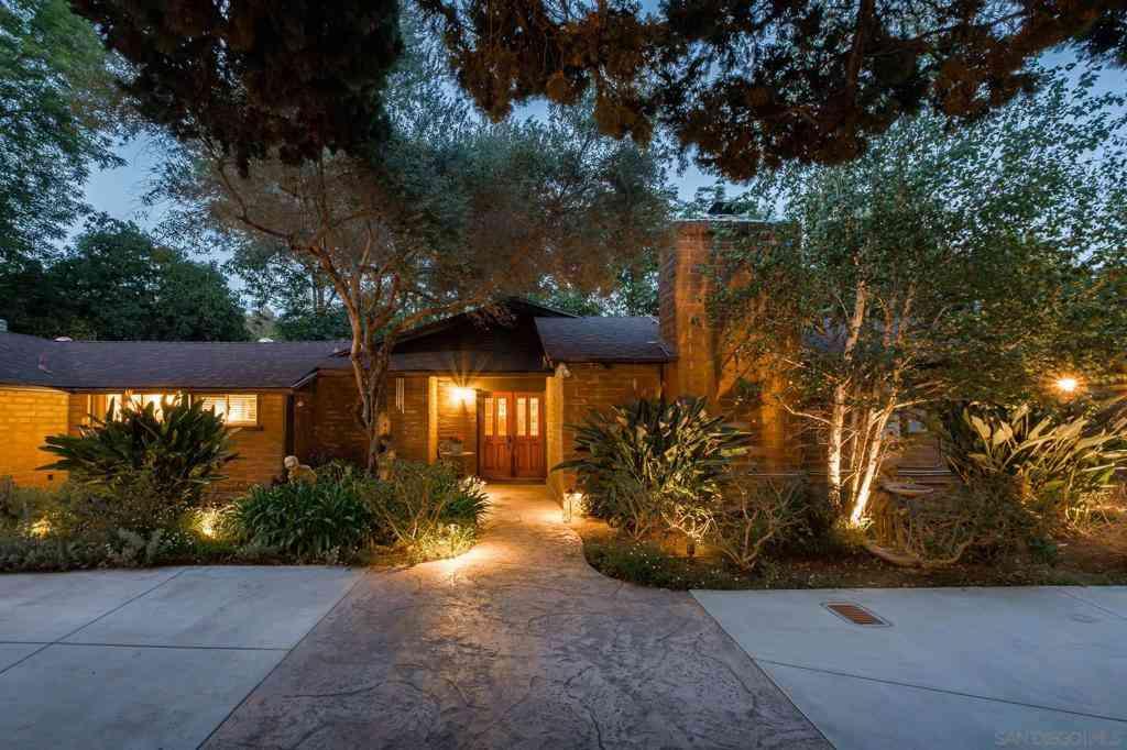 4201 Avenida Gregory, Spring Valley, CA, 91977,